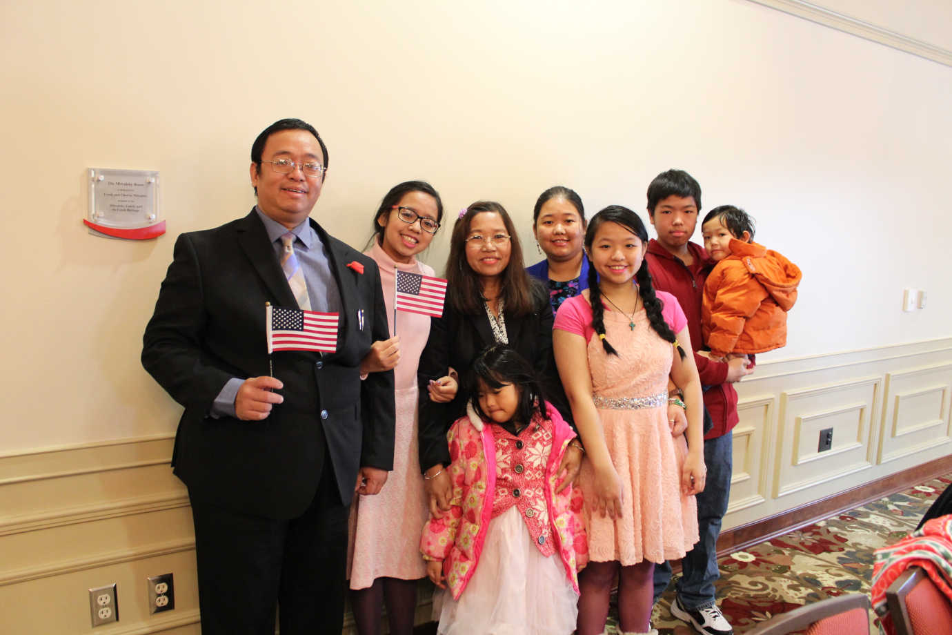 NCSML hosts Cedar Rapids' ceremony for newly naturalized American citizens, forging connections with other immigrant communities. Photo courtesy of NCSML.